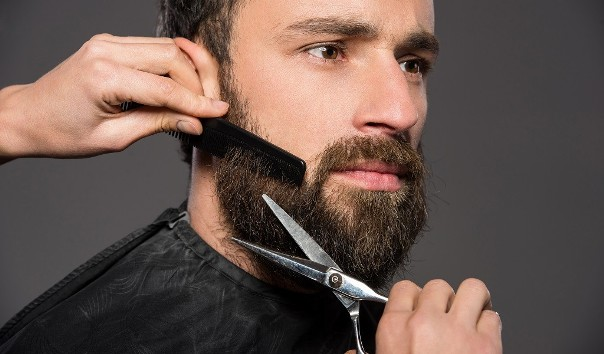 Trimming And Combing To Get Rid Of Beard Itch